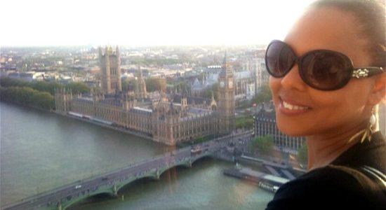 woman looking over london bridge